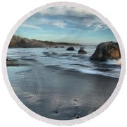 Waves On The Rocks Round Beach Towel