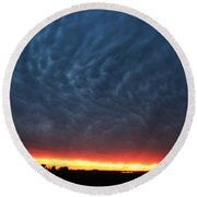 Weaking Cells Made For A Perfect Mammatus Sunset Round Beach Towel