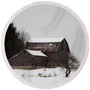 Weathered Barns In Winter Round Beach Towel