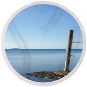 Weathered Old Wooden Pole Round Beach Towel