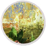 Weathered Wall 01 Round Beach Towel