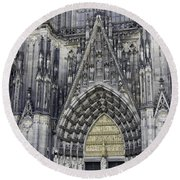 West Entrance Door Cologne Cathedral Round Beach Towel