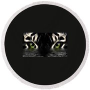 Wet Eye Of A Tiger Round Beach Towel