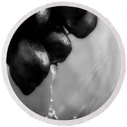 Wet Grapes Round Beach Towel