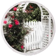 White Arbor With Red Roses Round Beach Towel