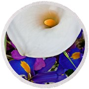 White Calla Lily Bouquet Art Prints Round Beach Towel