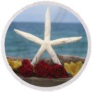 White Finger Starfish And Flowers Round Beach Towel