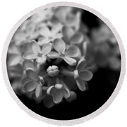 White Flowers In Black And White Round Beach Towel