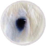 White Horse Look Round Beach Towel