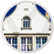 White House In Bruges Round Beach Towel