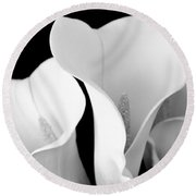 White Lily Trio In Black And White Round Beach Towel