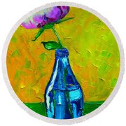 White Peony Into A Blue Bottle Round Beach Towel
