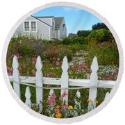 White Picket Fence In Mendocino Round Beach Towel