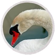 White Swan Profile Round Beach Towel