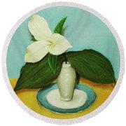 White Trillium Round Beach Towel