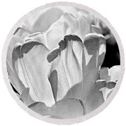 White Tulip Round Beach Towel