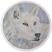 White Wolf Of The North Winds Round Beach Towel