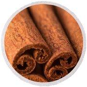 Whole Cinnamon Sticks  Round Beach Towel