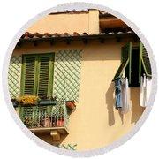 Windows, Italy Round Beach Towel