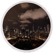 Windy City At Night Round Beach Towel