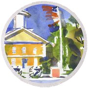 Windy Day At The Courthouse Round Beach Towel
