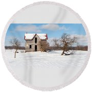 Winter Abandoned Farmouse Round Beach Towel
