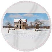 Winter Abandoned Farmouse Round Beach Towel