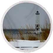 Winter At Frankfort Lighthouse Round Beach Towel