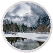 Winter At Swinging Bridge Round Beach Towel