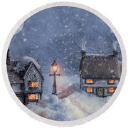 Winter Cottages In Snow Round Beach Towel