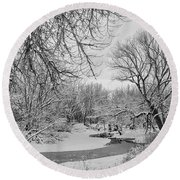 Winter Creek In Black And White Round Beach Towel