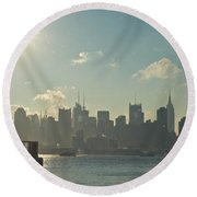 Winter Morning On The Hudson Round Beach Towel