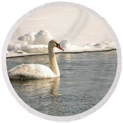 Winter Swan Round Beach Towel