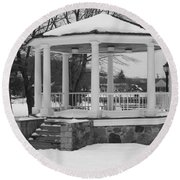 Winter Time Gazebo Round Beach Towel