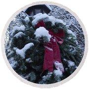 Winter Wreath Round Beach Towel