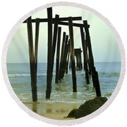 Without Pier Round Beach Towel