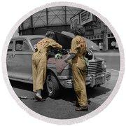 Women Auto Mechanics Round Beach Towel