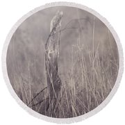 Wooden Fence Post On A Foggy Winter Day Round Beach Towel