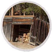Woodshed On The Holzwarth Historic Site Round Beach Towel