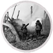 Wwi American Soldiers  Round Beach Towel by Photo Researchers