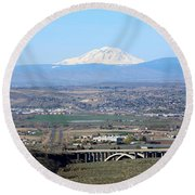 Yakima Valley Outlook With Mount Adams Round Beach Towel
