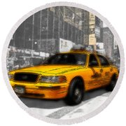 Yellow Cab At The Times Square -comic Round Beach Towel