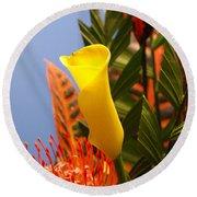 Yellow Calla Lilies Round Beach Towel