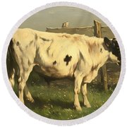 Young Bull Round Beach Towel