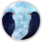 Young Robins In Love Round Beach Towel