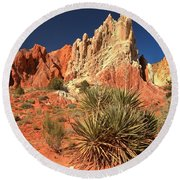 Yucca Badlands And Colors Round Beach Towel