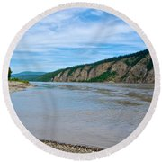 Yukon River As It Heads Northeast To The Arctic Circle-yt Round Beach Towel