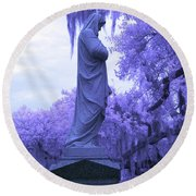 Ziba King Memorial Statue Side View Florida Usa Near Infrared Round Beach Towel