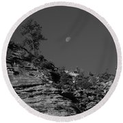 Zion National Park And Moon In Black And White Round Beach Towel