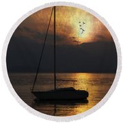 Boat In Sunset Round Beach Towel